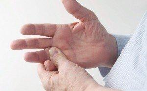 вредно ли хрустеть пальцами