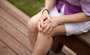 Изображение - Боль в коленных суставах при приседании bol-v-kolenyah-pri-prisedanii-300x185