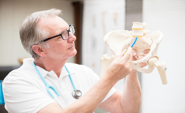 Какой врач лечит остеопороз у женщин