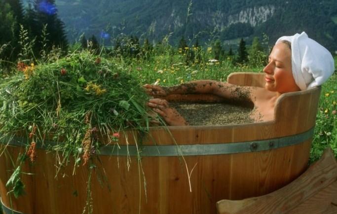Лечебные ванны с лекарственными растениями