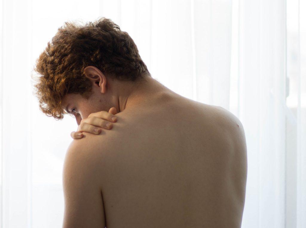 Симптомы, сопровождающие хруст позвоночника