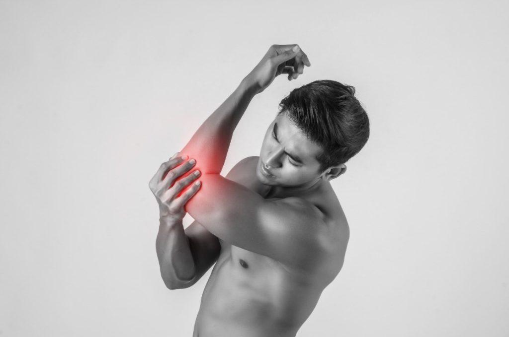 боль в локтевом суставе правой руки причины