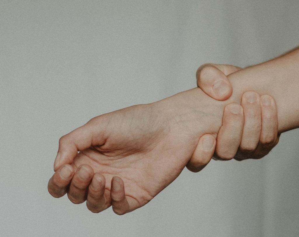 сколько болит рука после перелома