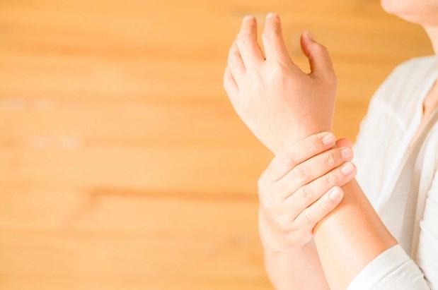 можно ли делать массаж при ревматоидном артрите