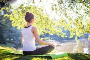 йога при артрозе коленного сустава