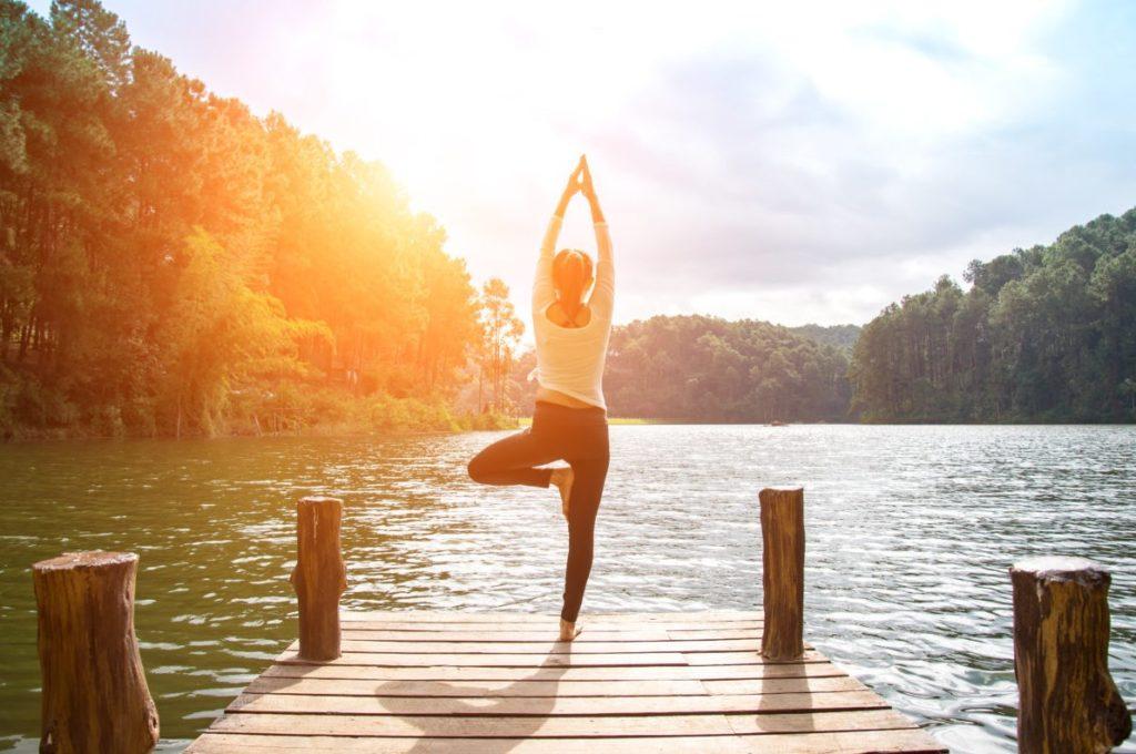 Польза йоги при коленном артрозе