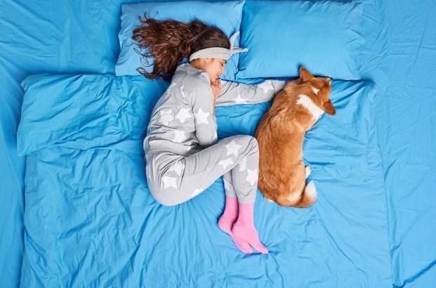 В какой позе спать при шейном остеохондрозе